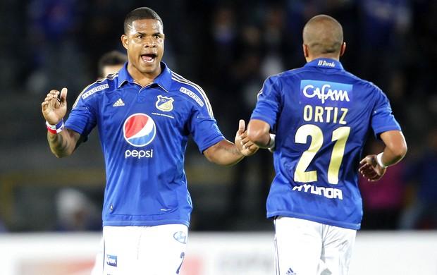 Ortiz comemora gol do Millonarios contra o Palmeiras (Foto: Agência Reuters)