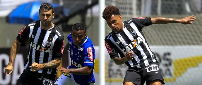 Élber, Júnior Urso, Lucas Pratto, Atlético-MG x Cruzeiro (Foto: Washington Alves/ Lightpress)