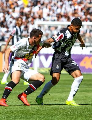 Douglas Santos Atlético-MG (Foto: Bruno Cantini/CAM)