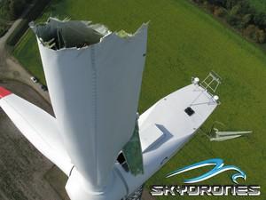 Imagem de uma hélice quebrada de um catavento eólico feita por drone. Monitoramento de redes elétricas é um dos focos do segmento (Foto: Arquivo Pessoal)