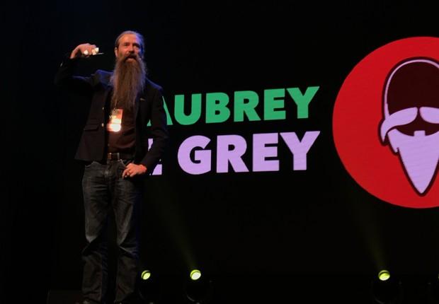 O gerontologista britânico Aubrey de Grey faz sua palestra na FIRE 2017 em Belo Horizonte (Foto: Divulgação/Hotmart)