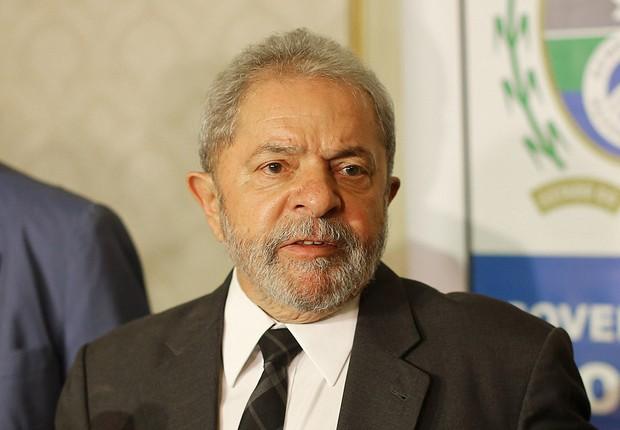 Em três horas de depoimento, Lula é questionado sobre imóveis e palestras