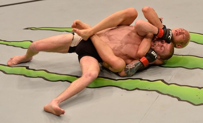 Ulka Sasaki x Justin Scoggins UFC Singapura (Foto: Getty Images)