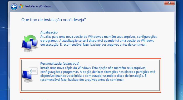 Escolhendo a instalação Personalizada do Windows 7 (Foto: Reprodução/Edivaldo Brito)