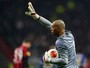 Helton esclarece rescisão com o Porto e anuncia que deve encerrar carreira