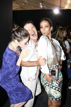 Alessandra Maestrini, Victor Dzenk e Valesca Popozuda no Fashion Rio (Foto: Wagner Santos / Foto Rio News)