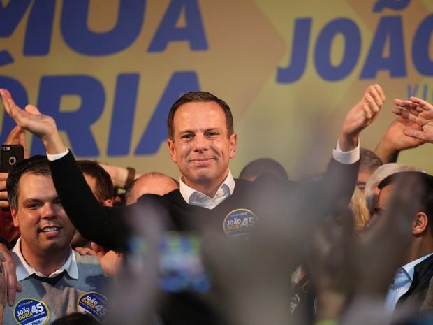 O candidato do PSDB à Prefeitura de São Paulo, João Doria, comemora a vitória no primeiro turno das eleições, no Diretório Estadual partido  em Moema, na zona sul da cidade (Foto: Renato S. Cerqueira/Futura Press/Estadão Conteúdo)