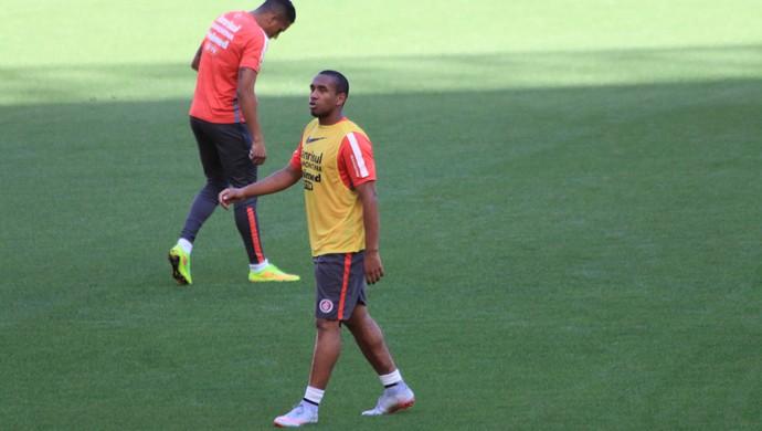 Anderson volta aos treinamentos (Foto: Eduardo Deconto)
