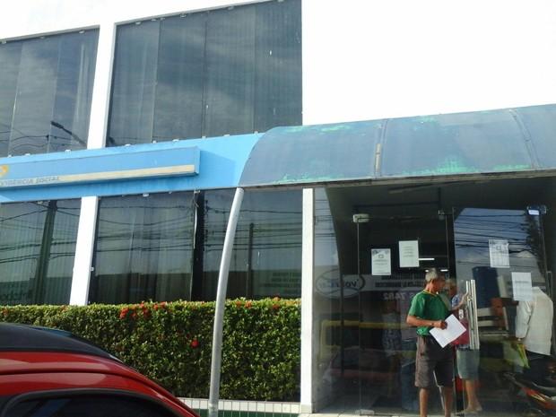 Agência do INSS do Bequimão abriu bormalmente nesta segunda-feira (25) (Foto: Alessandra Rodrigues/Mirante AM)