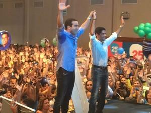 ACM Neto (DEM) ao lado do vice-candidato Bruno Reis (Foto: Andréia Silva / TV Bahia)