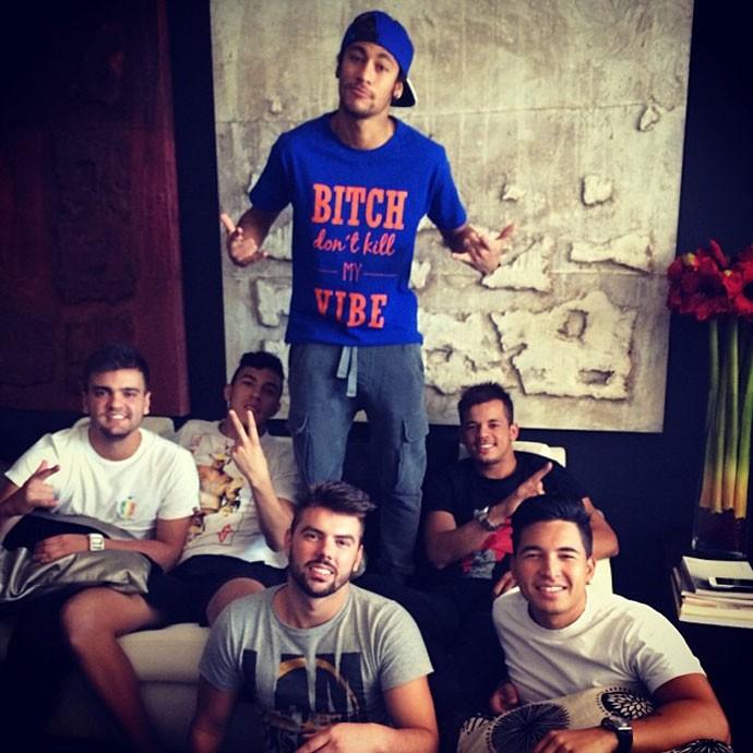 Neymar camisa provocativa (Foto: Reprodução / Twitter)