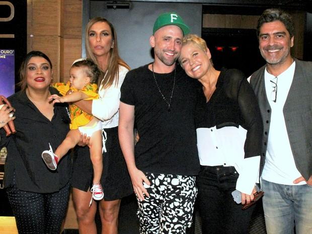 Preta Gil, Ivete Sangalo, Paulo Gustavo, Xuxa e Junno Andrade em shopping na Zona Sul do Rio (Foto: Daniel Delmiro/ Ag. News)