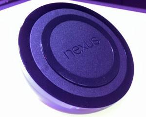 Carregador sem fio do Nexus 4, do Google (Foto: Laura Brentano/G1)