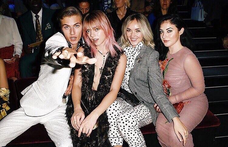 Os millennials no desfile da Dolce & Gabbana (Foto: Reprodução/Instagram)