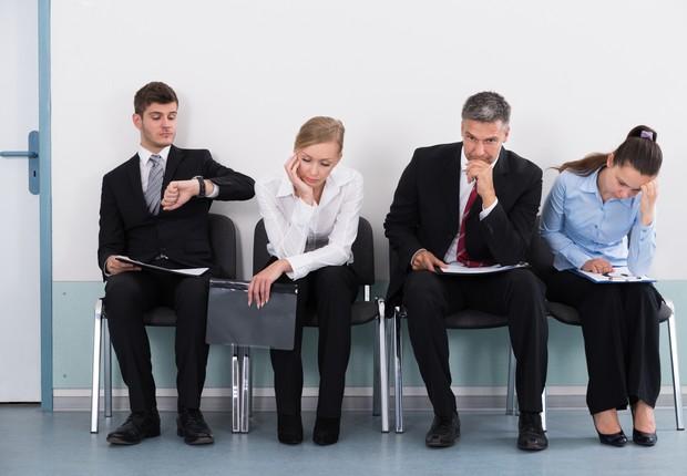 carreira, trabalho, entrevista de emprego, fila, esperar (Foto: AndreyPopov, Thinkstock)
