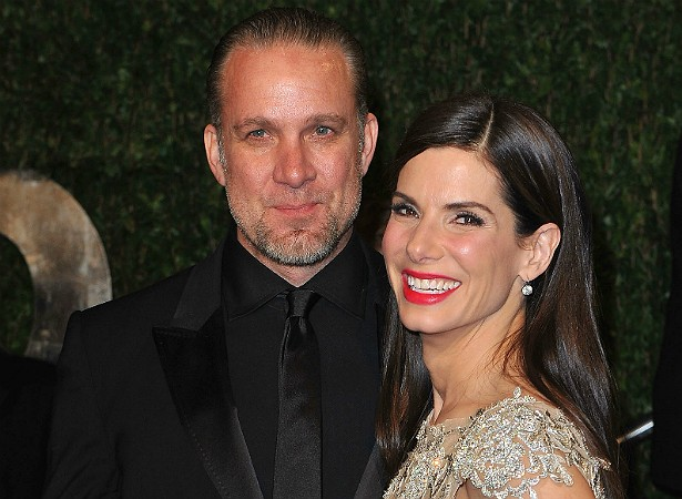 bullock gay singles Last week, people revealed that sandra bullock has found romance with los angeles-based photographer bryan randall – but who's the.