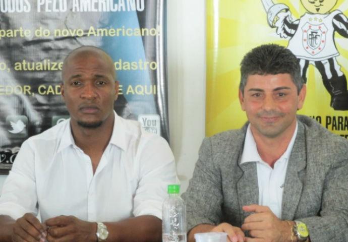 Gilberto e Luciano Viana, presidente do americano (Foto: Granger Ferreira / Ururau)