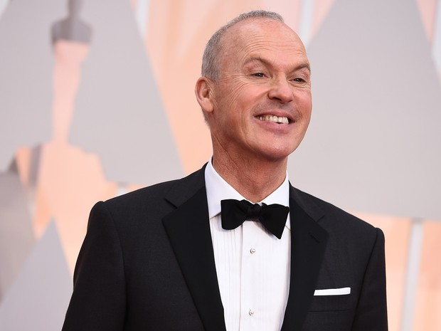Michael Keaton, de 'Birdman', chega à cerimônia do Oscar 2015 (Foto: Jordan Strauss/Invision/AP)