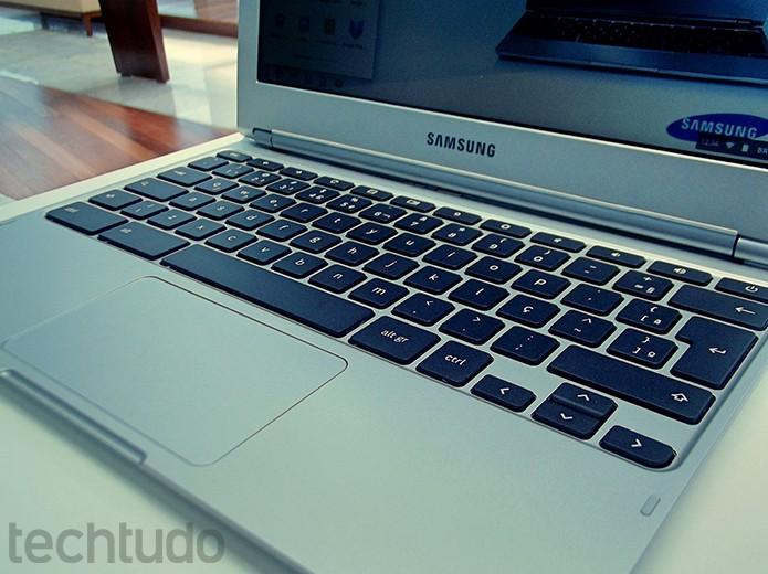 Teclado é confortável e totalmente em português com ABNT2 (Foto: Paulo Alves/TechTudo)