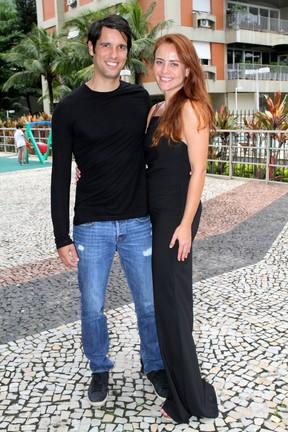 Juliana Silveira e o marido, João Vergara, em festa no Rio (Foto: Daniel Delmiro/ Ag. News)