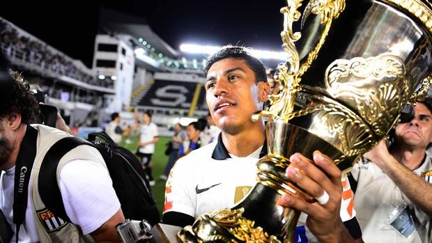 paulinho corinthians taça (Foto: Marcos Ribolli / Globoesporte.com)