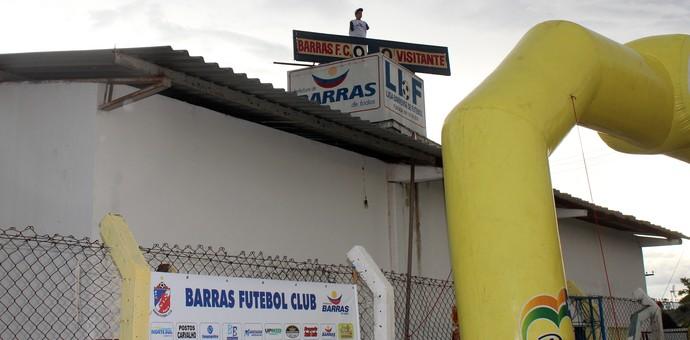 Barras x Piauí - Placar em cima da caixa d'água (Foto: Josiel Martins )