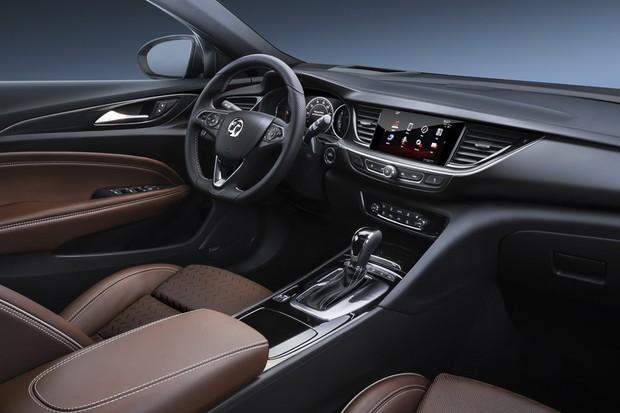 Vauxhall Insignia Grand Sport (Foto: Divulgação)