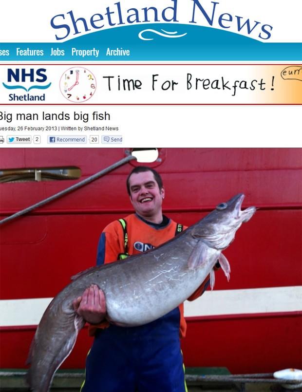 Inglês de 1,96 m exibe peixe que pode bater recorde nacional (Foto: Reprodução)