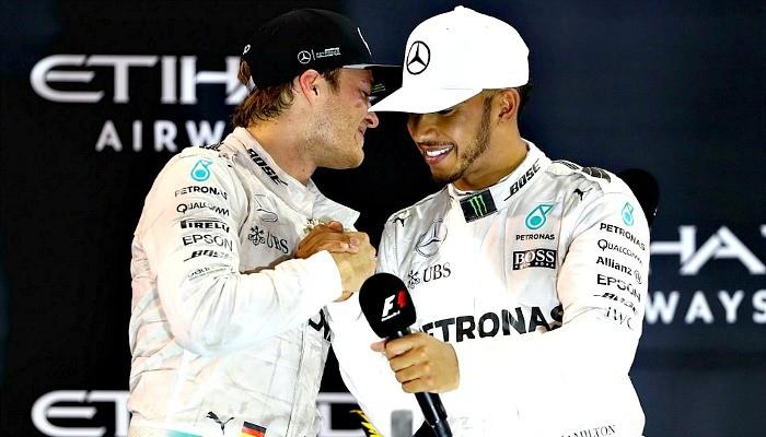Nico Rosberg cumprimenta Lewis Hamilton em Abu Dhabi