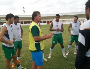 Filinto Holanda, técnico do Baraúnas (Foto: Divulgação)