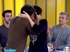Eita, Giovanna! Bruno Gagliasso invade Vídeo Show e beija Monica Iozzi