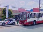 Cinco suspeitos fazem arrastão em ônibus coletivo em Manaus
