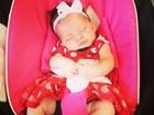 Namorada de Henri Castelli posta foto da filha vestida de Minnie