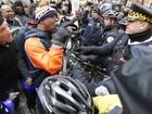 Marcha em Chicago protesta por violência policial contra negros
