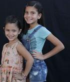 Julia e Marina Fernandes (Giovanna Estefanio e Giovanna Maluf)