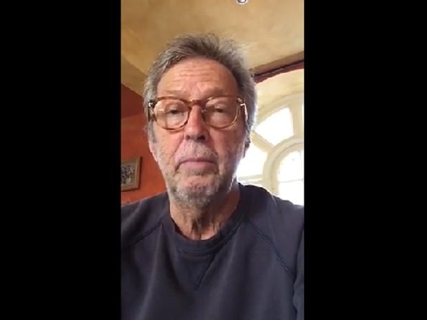 Eric Clapton presta homenagem a B.B. King (Foto: Reprodução/Facebook)
