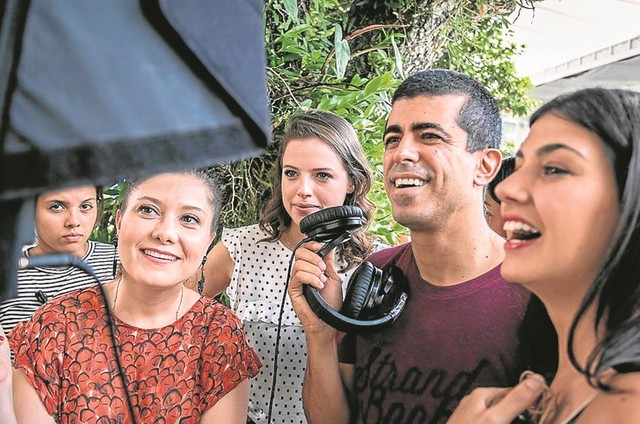 Agatha Moreira com Carol POrtes, Marcius Melhem e Verônica Debom (Foto: Raquel CUnha/ TV Globo)