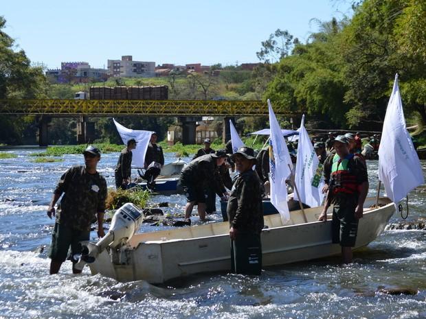 G1 Percorreu 150 km do Rio Piracicaba durante 3ª espedição realidaza pelo Grude (Foto: Camila Ancona/G1)