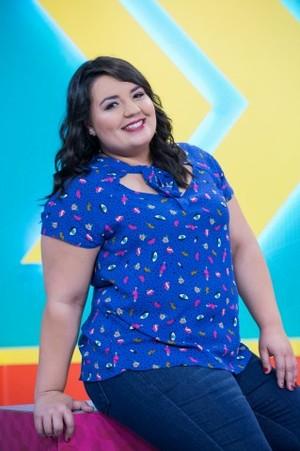 Renata Golombieski é a apresentadora do programa (Foto: Rafael Eisinger / TV TEM)