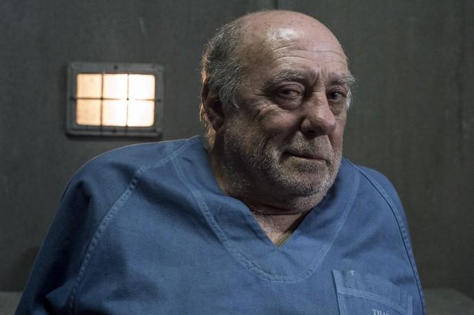 Mario César Camargo é o intérprete do doutor Timóteo. Aos 67 anos, é um médico reformado do Exército. Reservado, é um homem de poucas palavras e de traços autoritários (Foto: Gshow/Cauiá Franco)