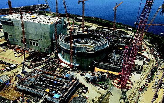 SEM FIM  Obras da usina Angra 3. Até a investigação da corrupção está saindo caro  (Foto: Divulgação)