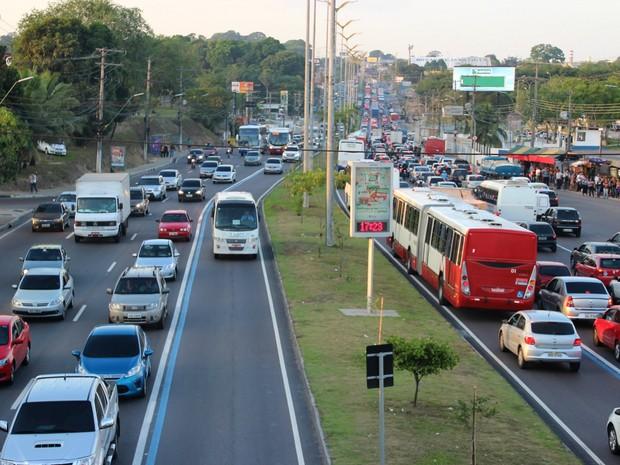Horário de pico registra lentidão nas principais avenidas de Manaus (Foto: Rickardo Marques/G1 AM)