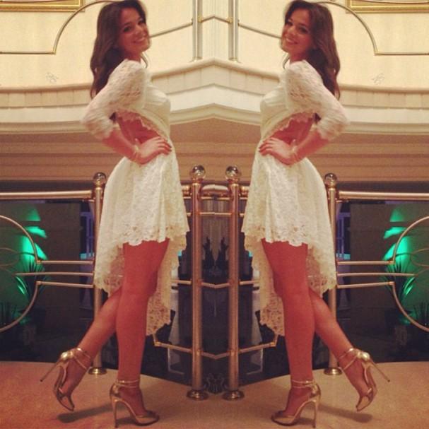 Bruna com look todo branco (Foto: Reprodução/Instagram)