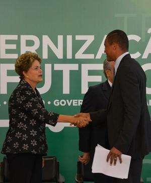 Dida Dilma Rousseff MP das dívidas (Foto: José Cruz / Agência Brasil)