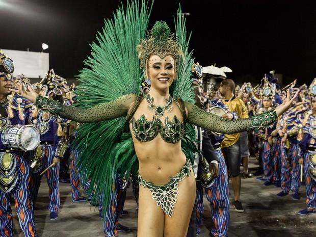 Princesa da bateria da Vila Maria, Bruna Fonseca (Foto: Caio Kenji/G1)