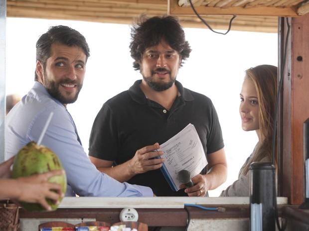 René Sampaio orienta os atores durante os ensaios (Foto: Pedro Curi / TV Globo)