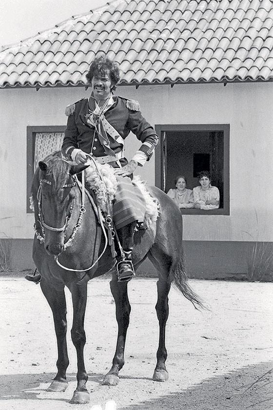 Tarcísio Meira interpreta o Capitão Rodrigo (Foto: Foto: TV Globo/Bazilio Calazans)