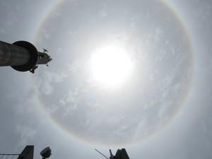 Halo solar foram observados no céu de Porto Alegre nesta sexta-feira (Foto: Fábio Freitas/RBS TV)