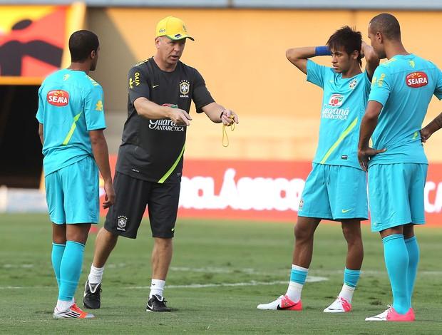 Luis Fabiano, Lucas e Neymar, Seleção Brasileira (Foto: Mowa Press)