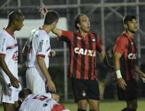 Paulo Baier Atlético-PR Brasil de Pelotas (Foto: Divulgação/Site oficial do Atlético-PR)